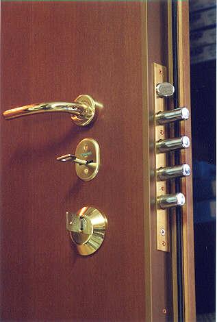 Come valutare e scegliere le serrature e le relative chiavi - Cambiare serratura porta ...