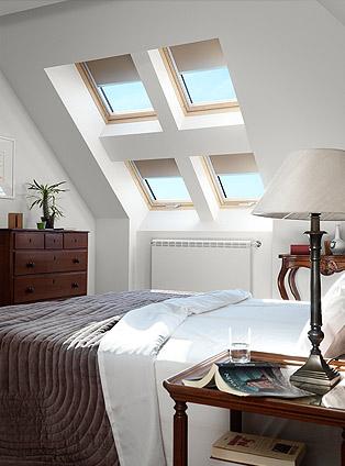 Quattro mini finestre per la camera da letto della mansarda