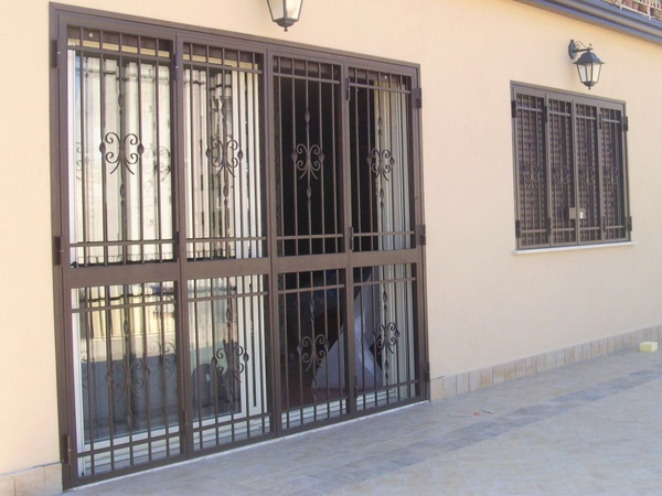 Grate o inferriate per garantire la sicurezza in casa - Grate per finestre villa ...
