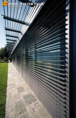 Come scegliere i sistemi di schermatura solare esterni i - Pannelli oscuranti finestre ...