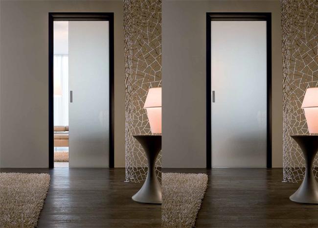 il cristallo è certamente uno dei grandi protagonisti dell ... - Disegni Moderni Per Porte In Vetro
